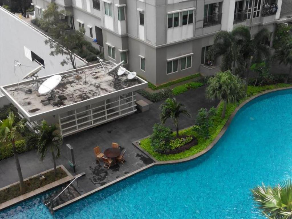 Pool Thamrin Residences - Apartment Thamrin Residence